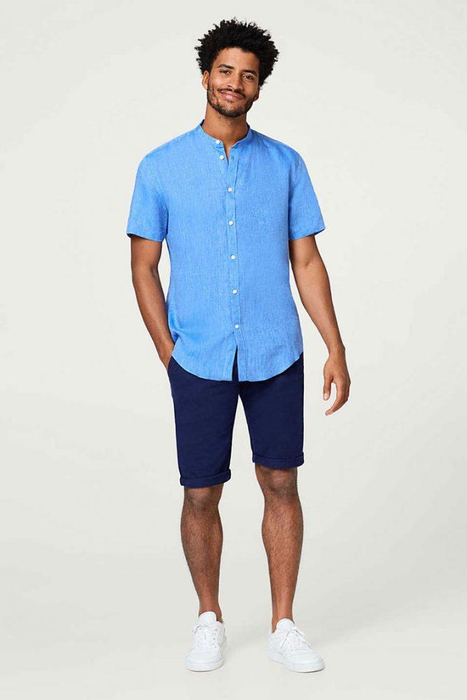 Blauwe overhemden maken de man