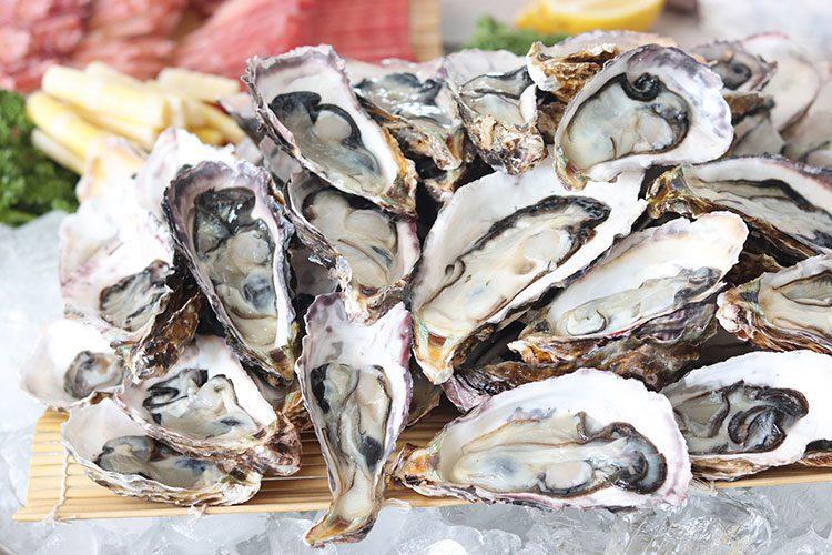lekkere-oesters-eten