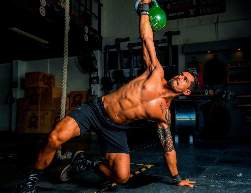 de-beste-fitness-en-sportkleding-voor-mannen